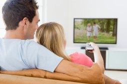 couple-watching-television